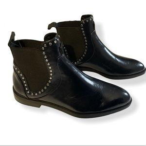 ZARA - leather small studded ankle boots
